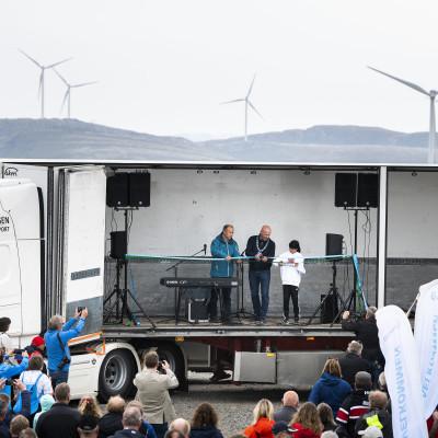 Folkefest i Norges største vindpark