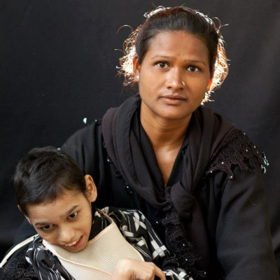 Mother and child at Chingari Trust, Bhopal. Photo Alex Masi