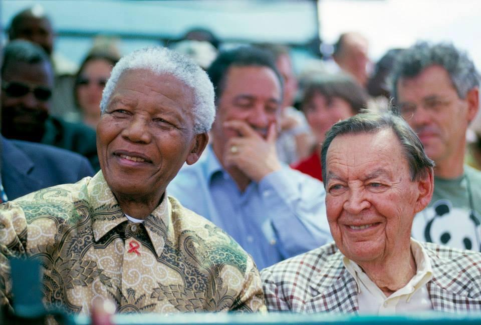 Nelson Mandela och Anton Rupert  i Great Limpopo Transfrontier Park. © Tony Weaver