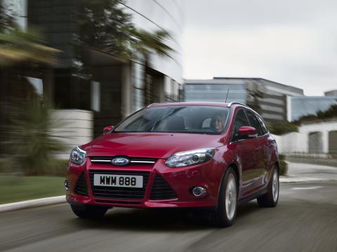 Nya Ford Focus blir den första bilen någonsin som får fyra  Euro NCAP Advanced-utmärkelser