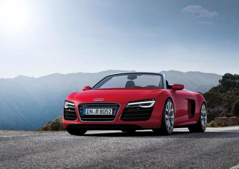 Superportbilen Audi R8 i ny uppdaterad version och ny toppversion