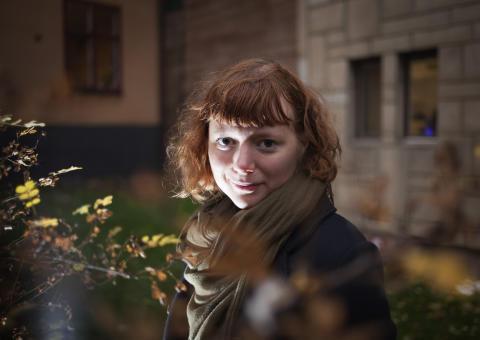 Felicia Östlin utrustar tjejer med airsoftvapen