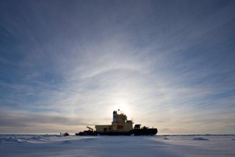 Isbrytaren Oden visas upp för Arktiska rådet
