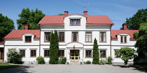 Epok går i graven när anrika Lindormsnäs gård byter ägare