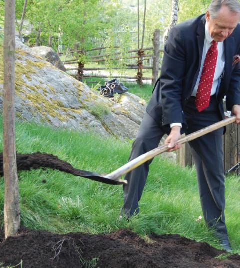 Trädplantering för Afrika på Liseberg