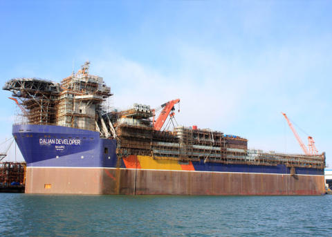 Cavotec delivers radio remote controls for world's largest deepwater drilling vessel