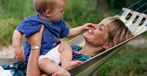 Findus utser Sveriges bästa mamma - Hanna Hedlund gästbloggar om mammarollen