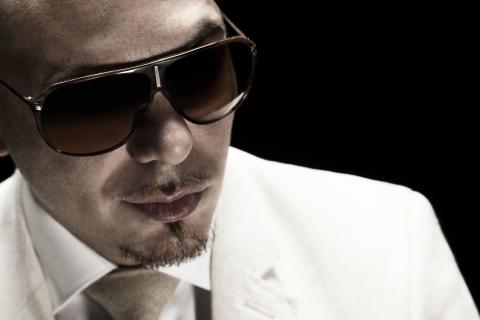 Pitbull gör ledmotivet till Men In Black 3