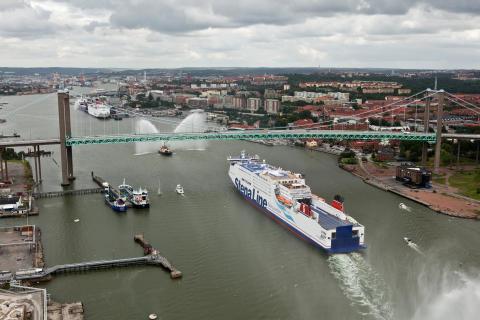 Stena Germanica III på väg in i Göteborg