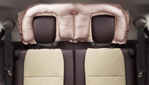 Toyota utvecklar världens första krockkudde för bakrutan