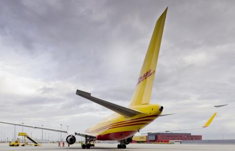 DHL Express flygplan bakifrån