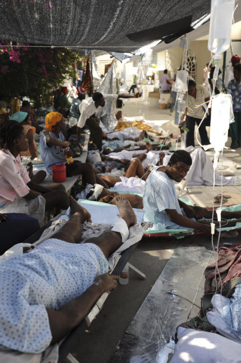 4: Läkare Utan Gränser behandlar patienter i Haiti
