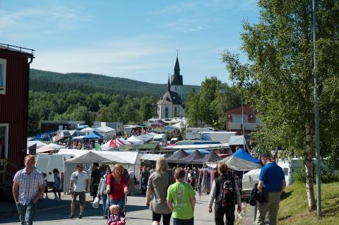 Gränshandelsmarknaden i Tärnaby fokuserar på samisk kultur och märker en trend mot små, unika säljare