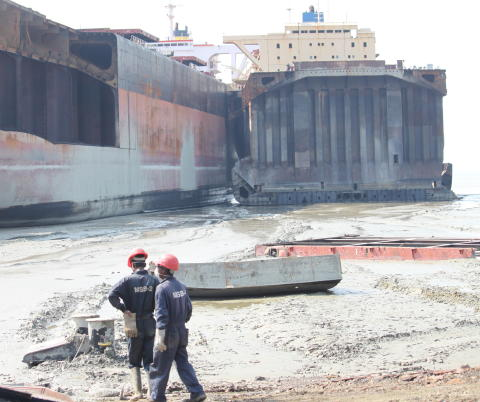 International spotlight on standards in shipbreaking