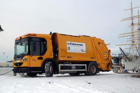 Landets första sopbil som går på biogas och biodiesel
