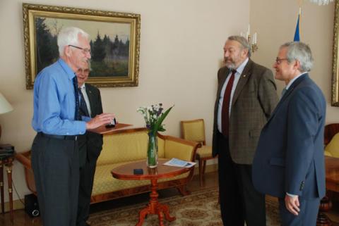 Rysslands Vetenskapsakademi hedrar fysikprofessor