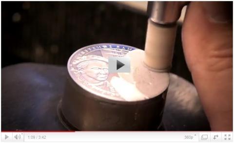 Slik lages Det Norske Myntverkets medaljeserier