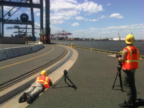 Filming an STS crane go round corners with Cavotec Panzerbelt #Cavotecfilm