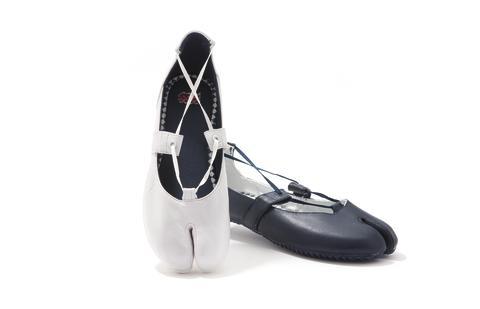 """""""Okatabi Sandal"""" - Onitsuka Tiger S/S11 Shoe Collection"""