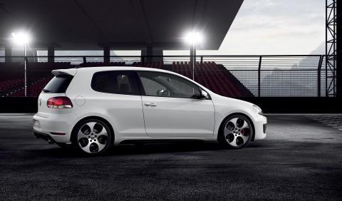 Volkswagen visar en studie av Golf GTI i Paris, bild 1
