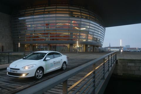 Renault Fluence ZE ved Operaen i København