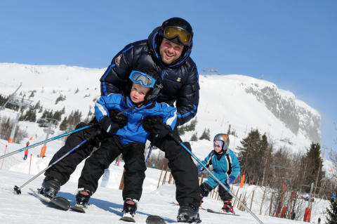 Alpina Skeikampen lockar med gratis skidskola för barn