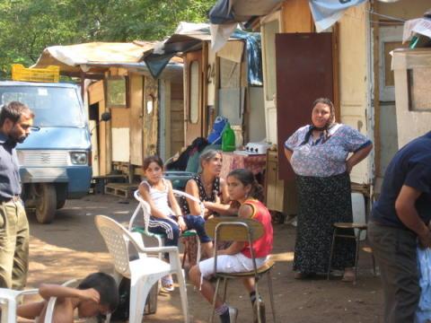Italien: Dekret som diskriminerar romer inte lagenligt