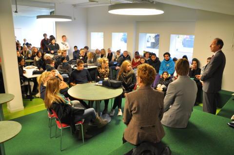Elever i Väsby Nya Gymnasium träffar Per Adolfsson, VD Microsoft Sverige.