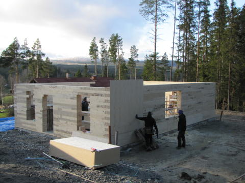 Rekordsnabbt bygge med energisnåla byggblock från IsoTimber