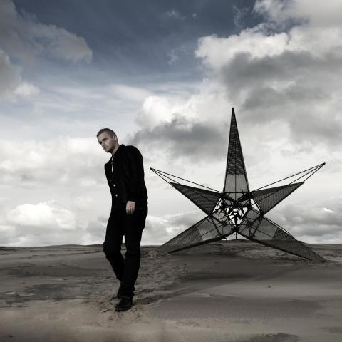 Mike Hawkins - Shut The Place Down - Udgives internationalt via Positiva 30.juli