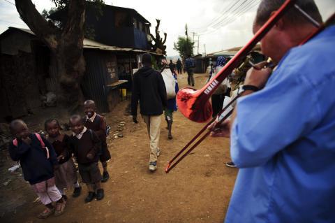 Funk For Life - Nils Landgren spelar i Kibera