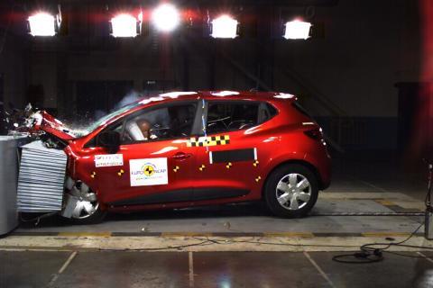 Fem stjerner til Renault Clio i EuroNCAP kollisionstest