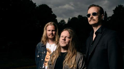 Kultbandet Franska Trion levererar explosiv jazz- och bluesblandning i Gävle Konserthus