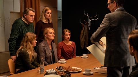 Jens Jørn Spottag, Sofie Torp, Andrea Gadeberg, Christiane Gjellerup Koch, Sara Hjort, Niels Anders Thorn//credits Martin Dam Kristensen