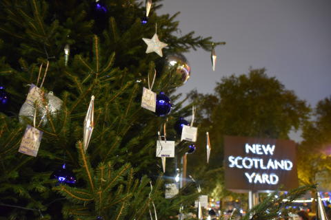 Commissioner launches the Met's annual Christmas Tree Project