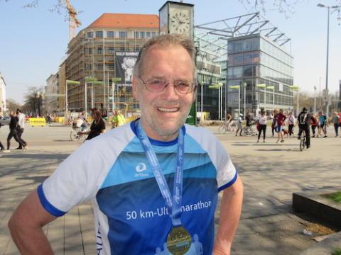 Der rasende Krebsforscher: Professor Dr. Hans G. Drexler absolvierte seinen 600sten Marathonlauf