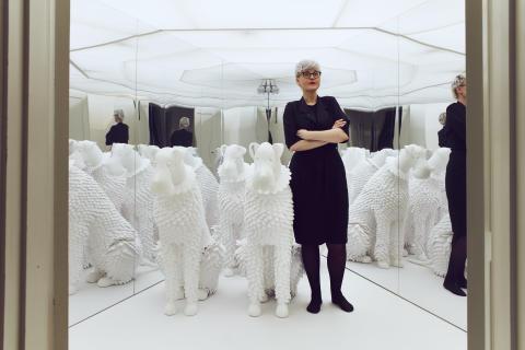 Hundterapi på galleri - Bea Szenfeld på CFHILL