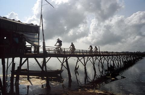 One World, Two Wheels: Exodus launches 33 new cycling trips for 2012/2013