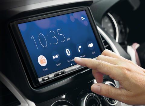 Sony lanceert intuïtieve in-car AV-receiver met groter touch-screen