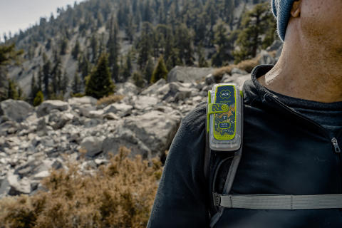 Hi-res image - ACR Electronics - The new ACR Electronics ResQLink 400 Personal Locator Beacon, with new ResQLink Skin