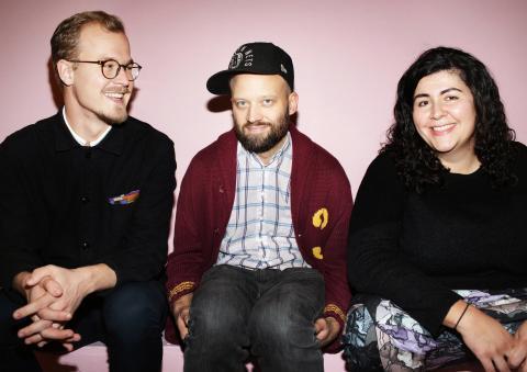 Stefan Hansen, vd, Gustav Deinoff, konstnärlig ledare och Farnaz Arbabi, konstnärlig ledare.