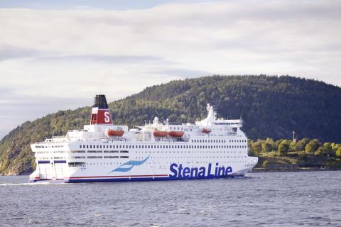 Stena Saga fra sjøen