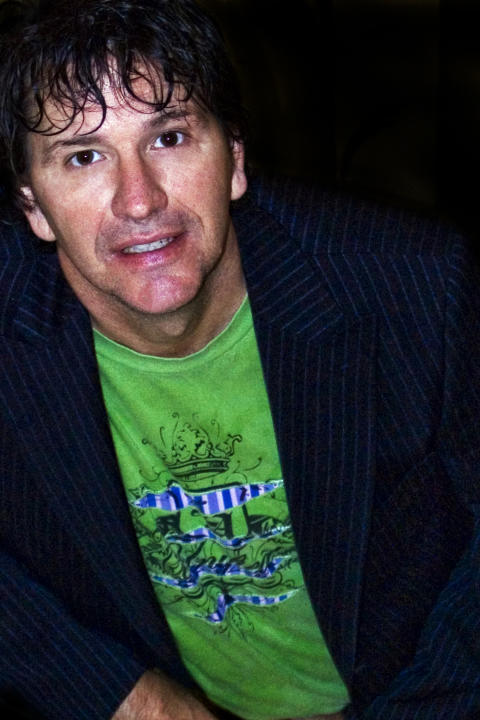 Oneliner-kungen Stewart Francis till RAW Comedy Club