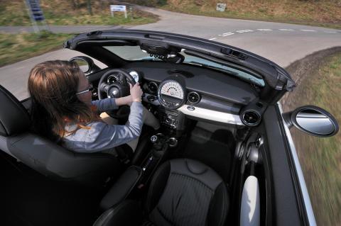 Med de rette dæk til årstiden er det en glæde at køre bil