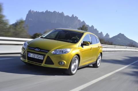 Ford Focus til topps i juni.
