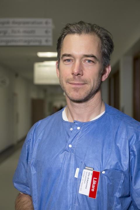 Specialistläkare Otto Ankarcrona, huvudansvarig för ST-utbildningen på Anestesi/IVA-kliniken på Danderyds sjukhus.
