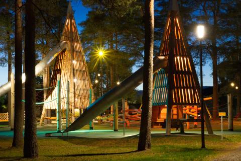 Hedlundadungen - upplyst lekpark