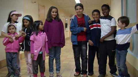 Inbjudan till pressvisning av Amer Alis dokumentärfilm Barndomsminnen