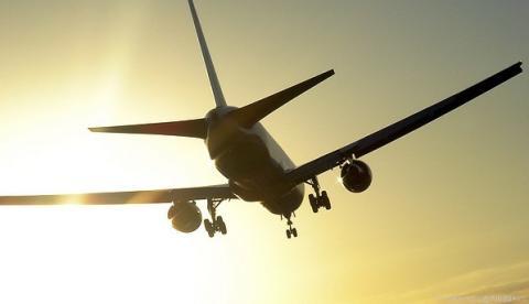 Jyderne betaler op til dobbelt så meget for flybilletter
