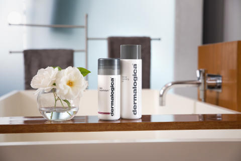 Daily Superfoliant and Special Cleansing Gel on Tub v2